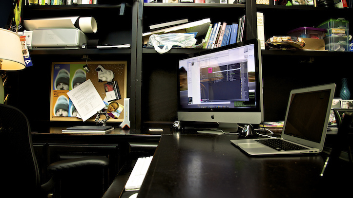 Macbook air office