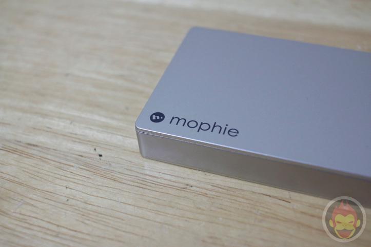 mophie-powerstation-gold-15.jpg