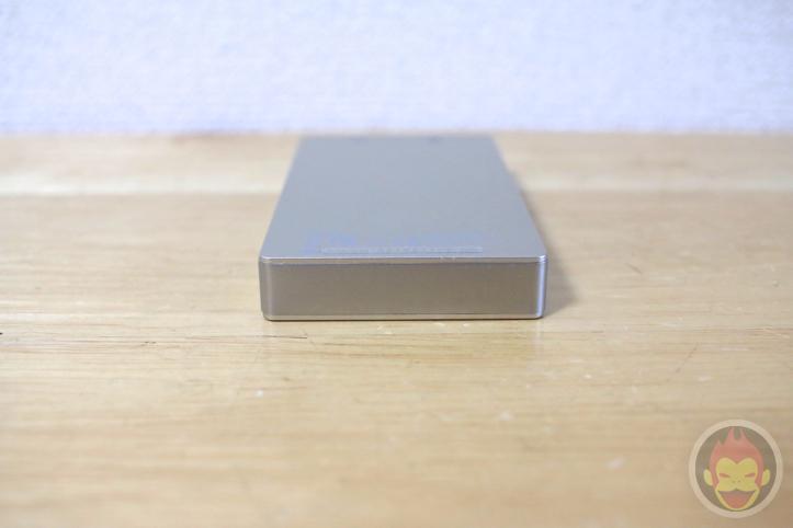 mophie-powerstation-gold-23.jpg