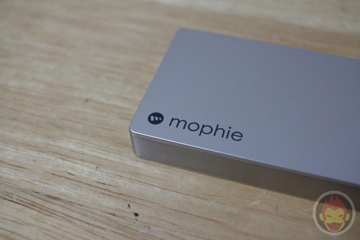 mophie「powerstation 4000」「powerstation mini」レビュー