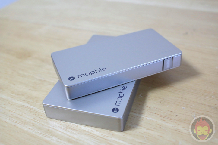 mophie-powerstation-gold-9.jpg