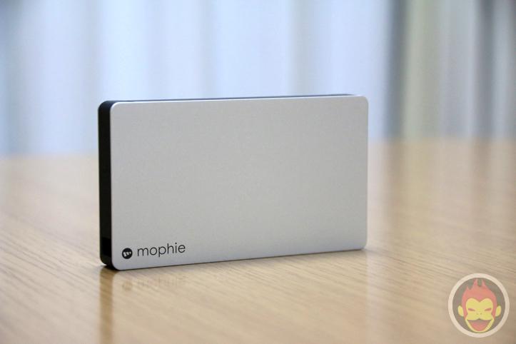 mophie-powerstation-plus-2x-15.jpg
