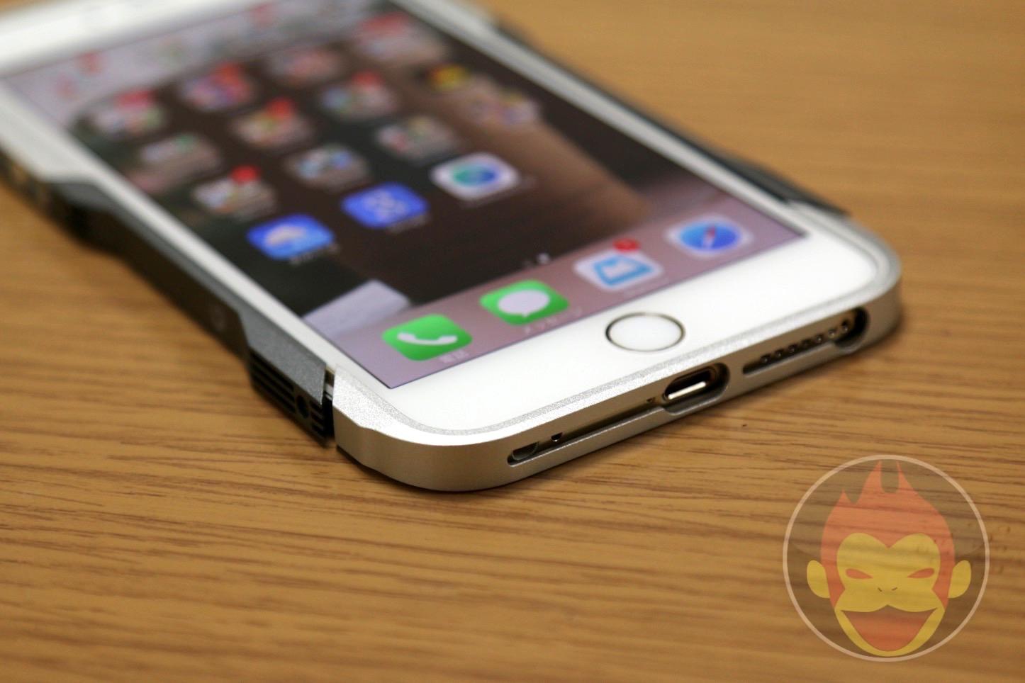 GRAVITY-CASTRUM-iPhone-6-Plus08.JPG