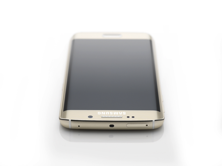 Galaxy-S6-Edge-Press-Photo-2.jpg
