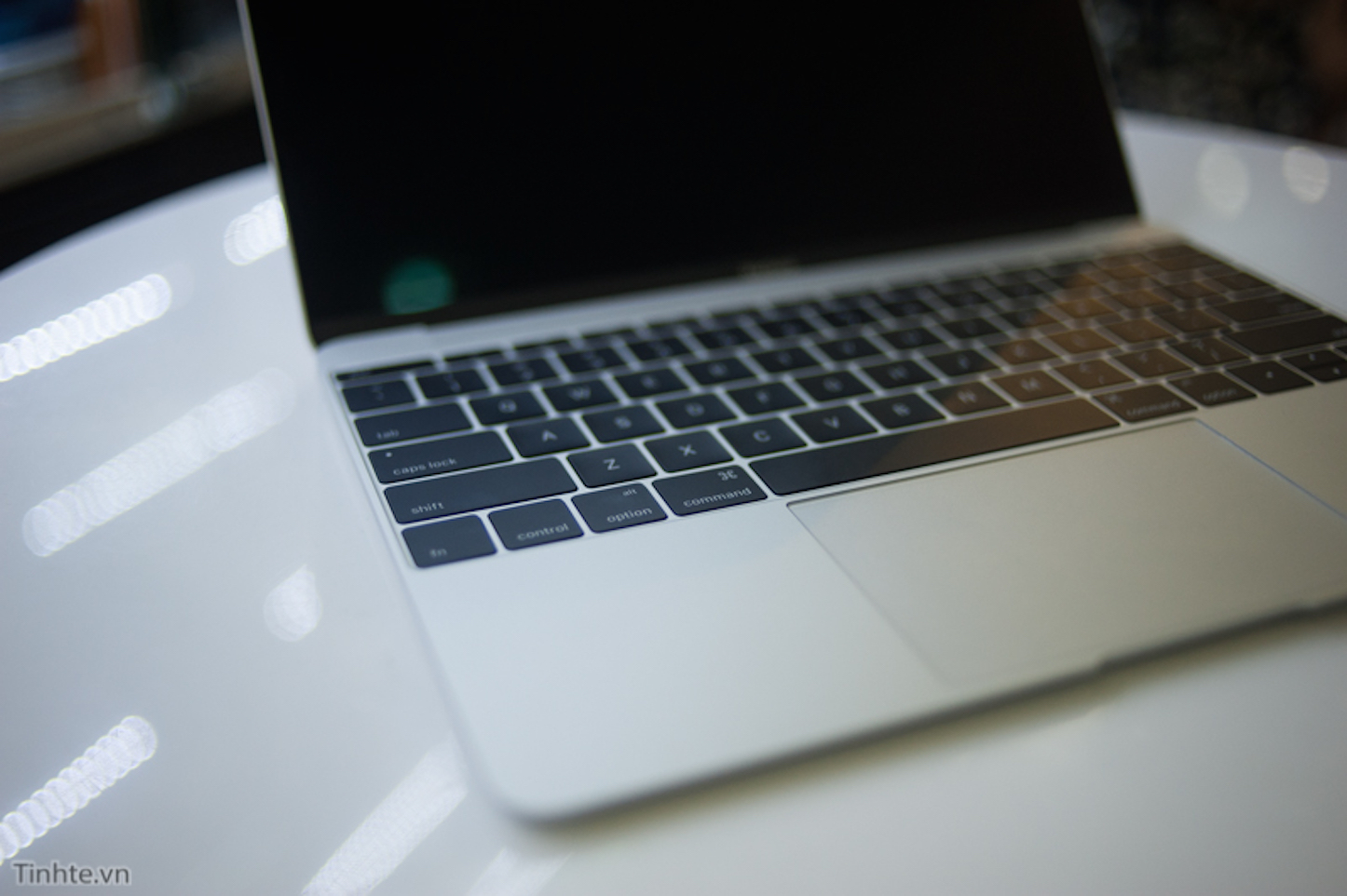 12 MacBook Vietnam