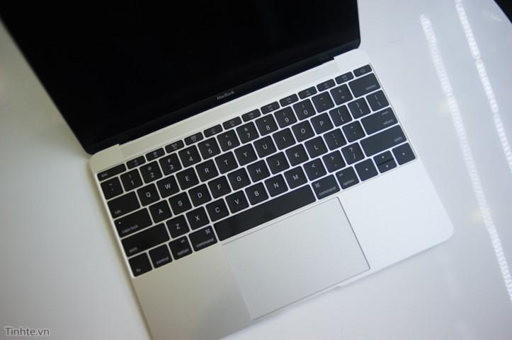 12-MacBook-Vietnam-6.jpg