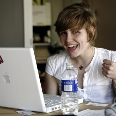 mac-girl.jpg