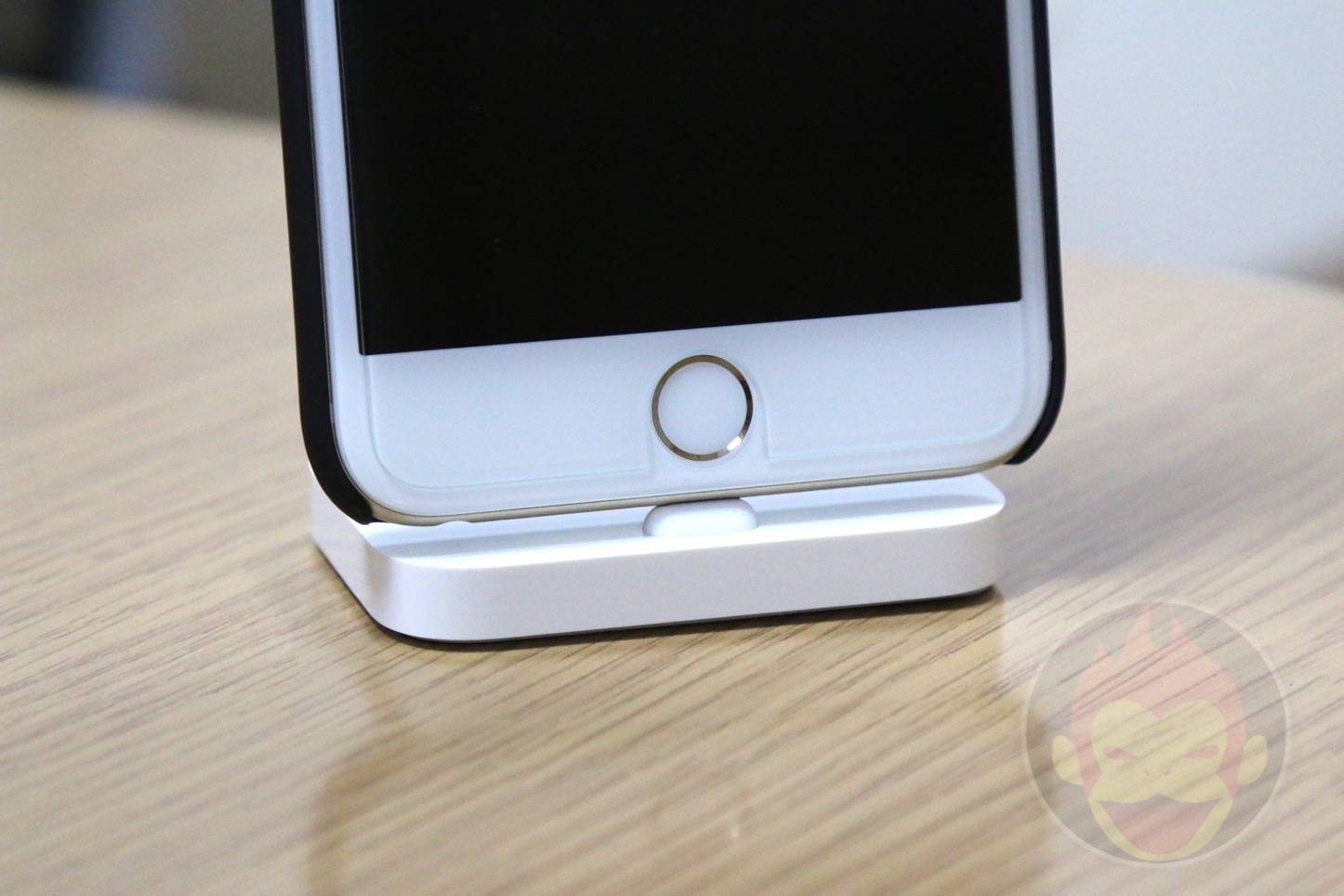 Apple-Lightning-Dock-20.JPG