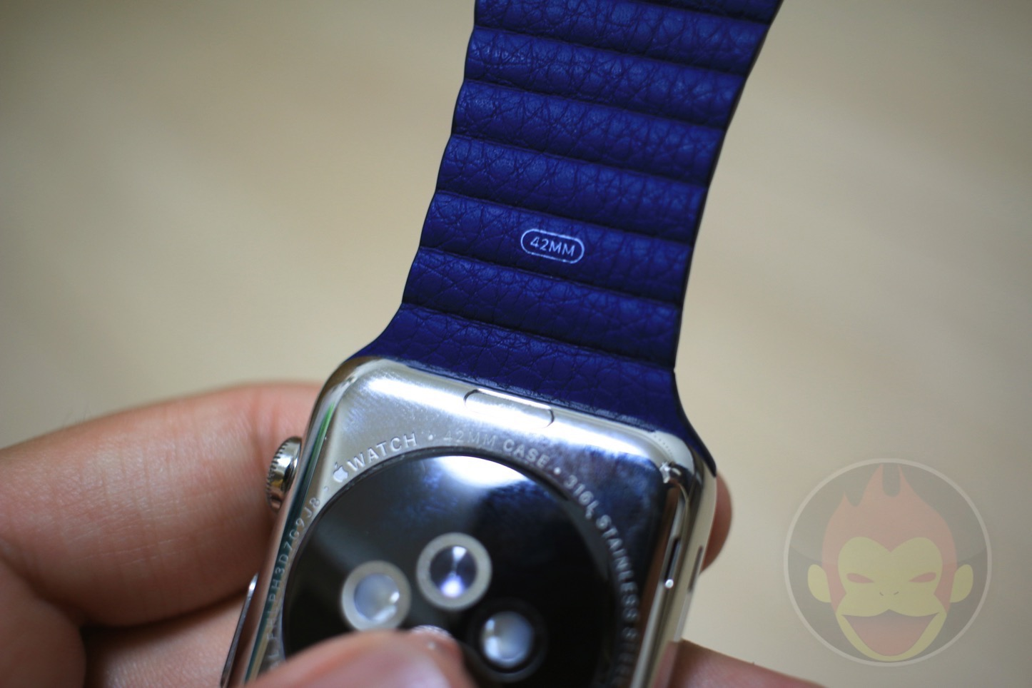 Apple-Watch-Leather-Loop-Band-28.jpg