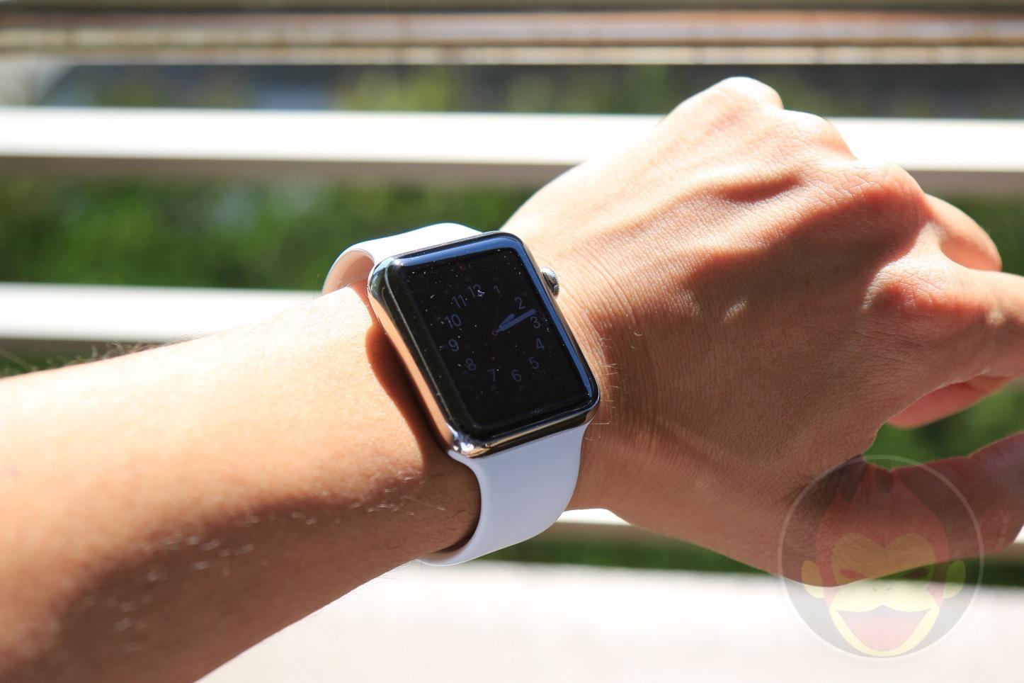 Apple Watchは屋外だと画面が全然見えない