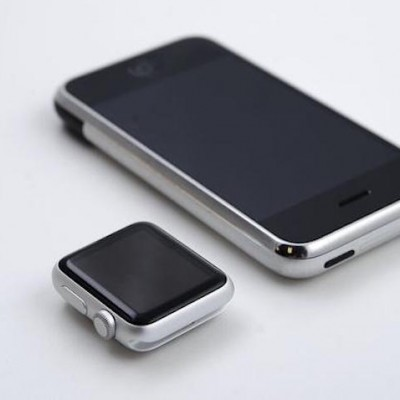 Apple-Watch-iPhone-Replica-1.jpg