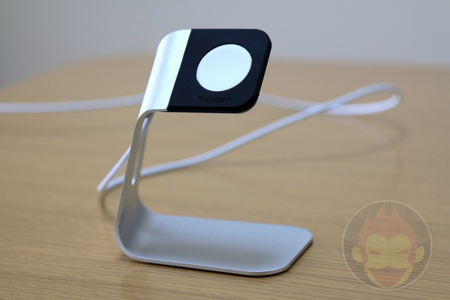 Spigen-Apple-Watch-Stand-13.JPG