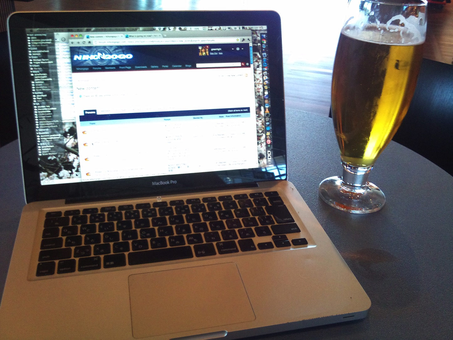 Beer and macbook