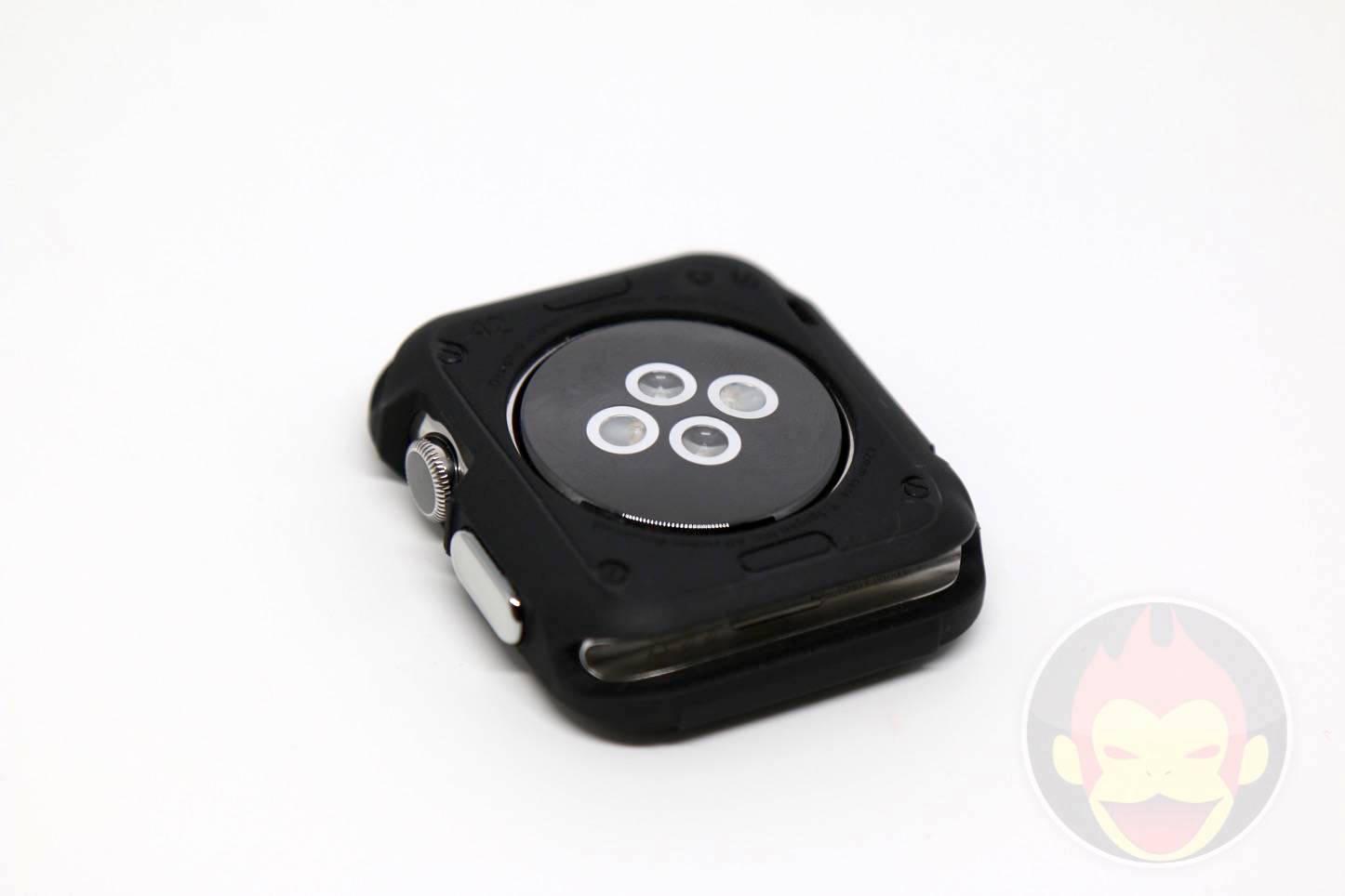 Spigen-Rugged-Armor-Apple-Watch-Case-13.JPG