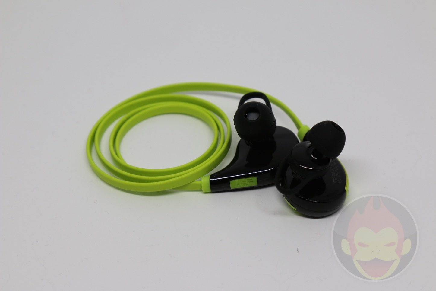 Wireless-Earphones-QY7-03.jpg