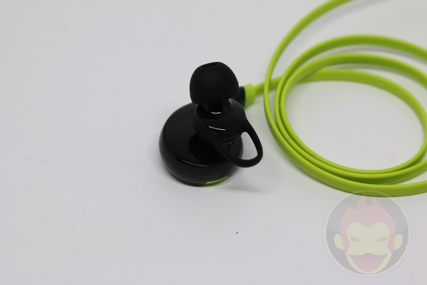 Wireless-Earphones-QY7-04.jpg