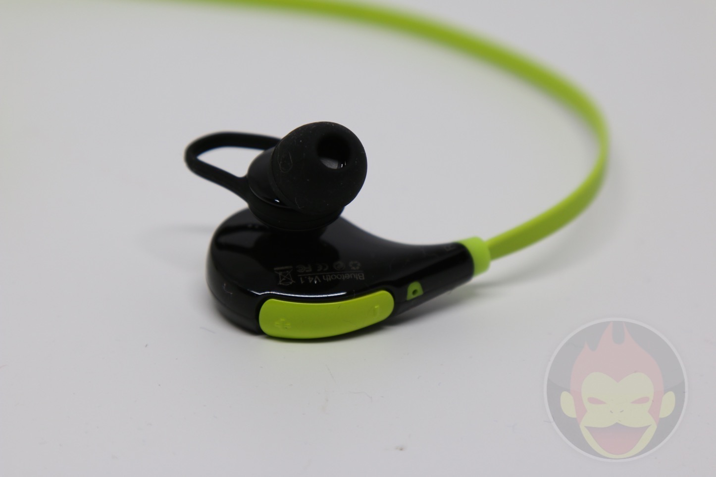 Wireless-Earphones-QY7-06.jpg