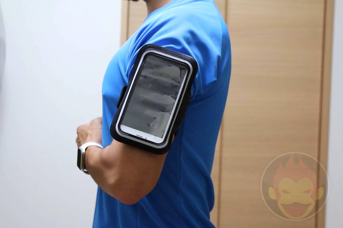 iPhone-6-Plus-Running-Arm-Band-19.JPG