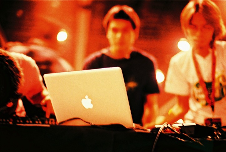 Macbook dj