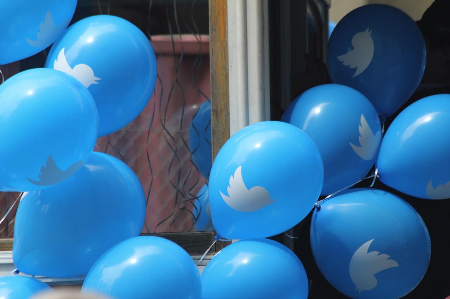 Twitter Balloon