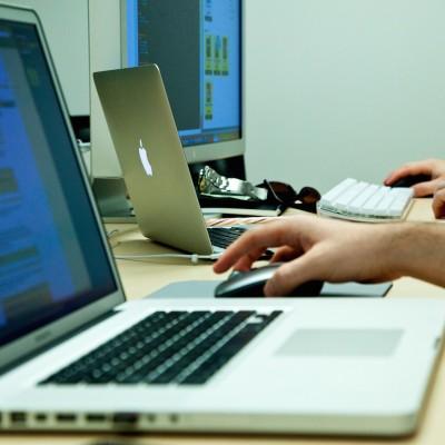 macs-at-work.jpg