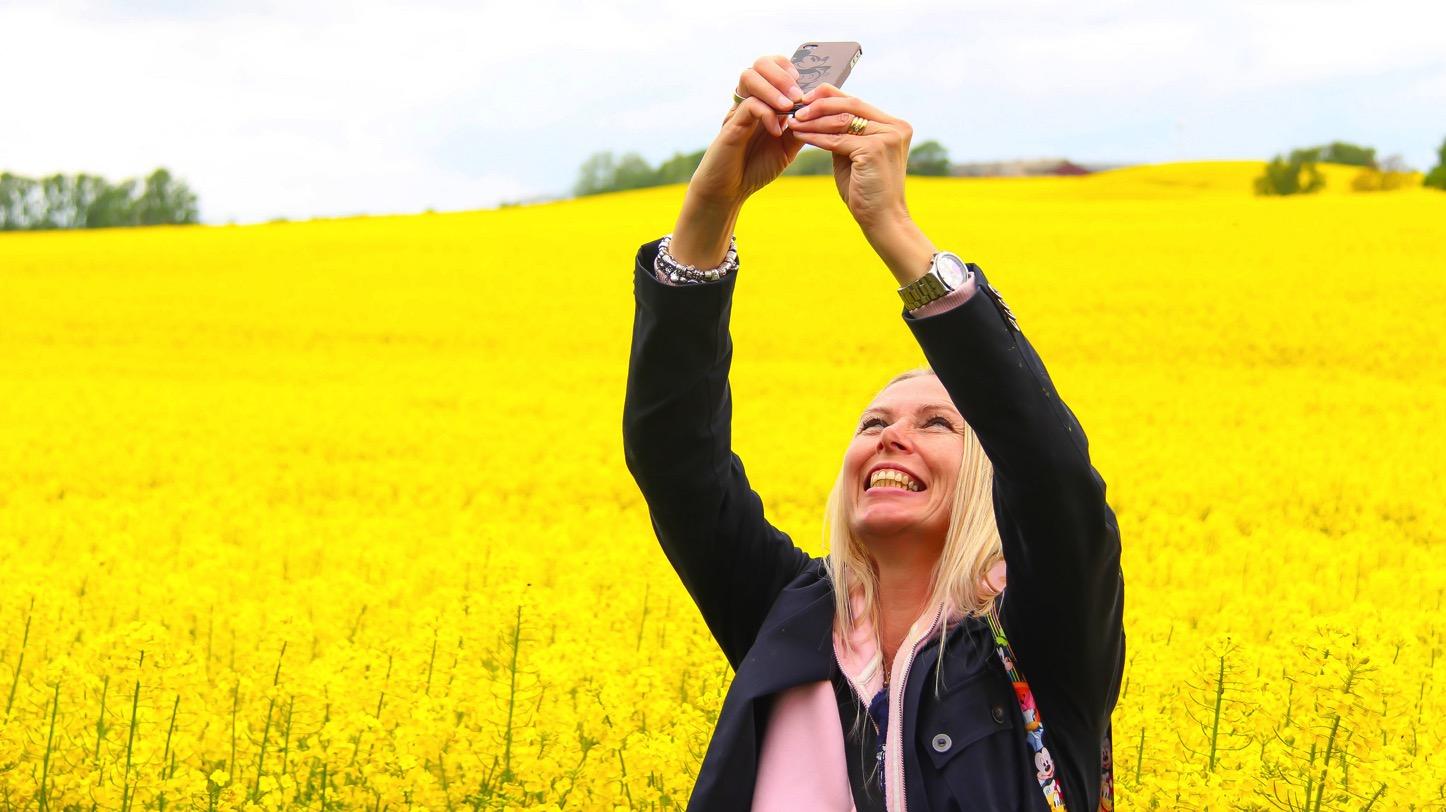 taking-a-selfie.jpg