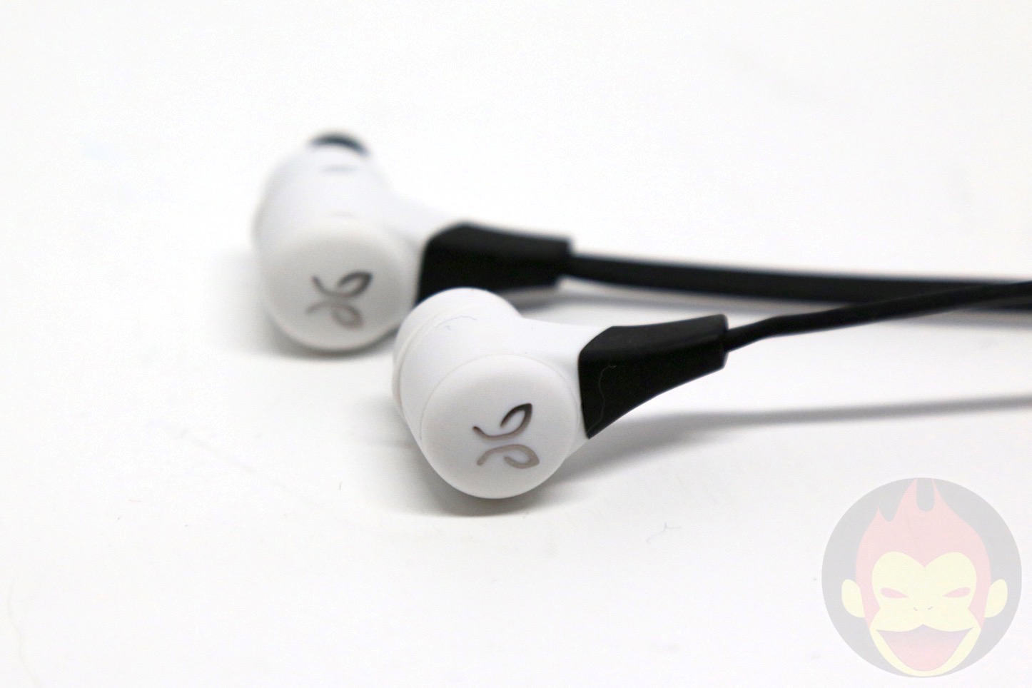 Jaybird-X2-Wireless-Earphones-10.jpg