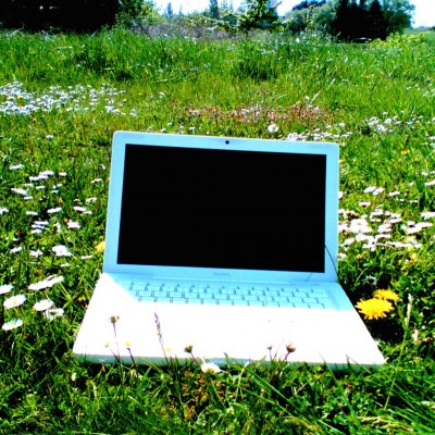 macbook-and-flowers.jpg
