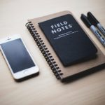 kari-shea-using-the-iphone-unsplash