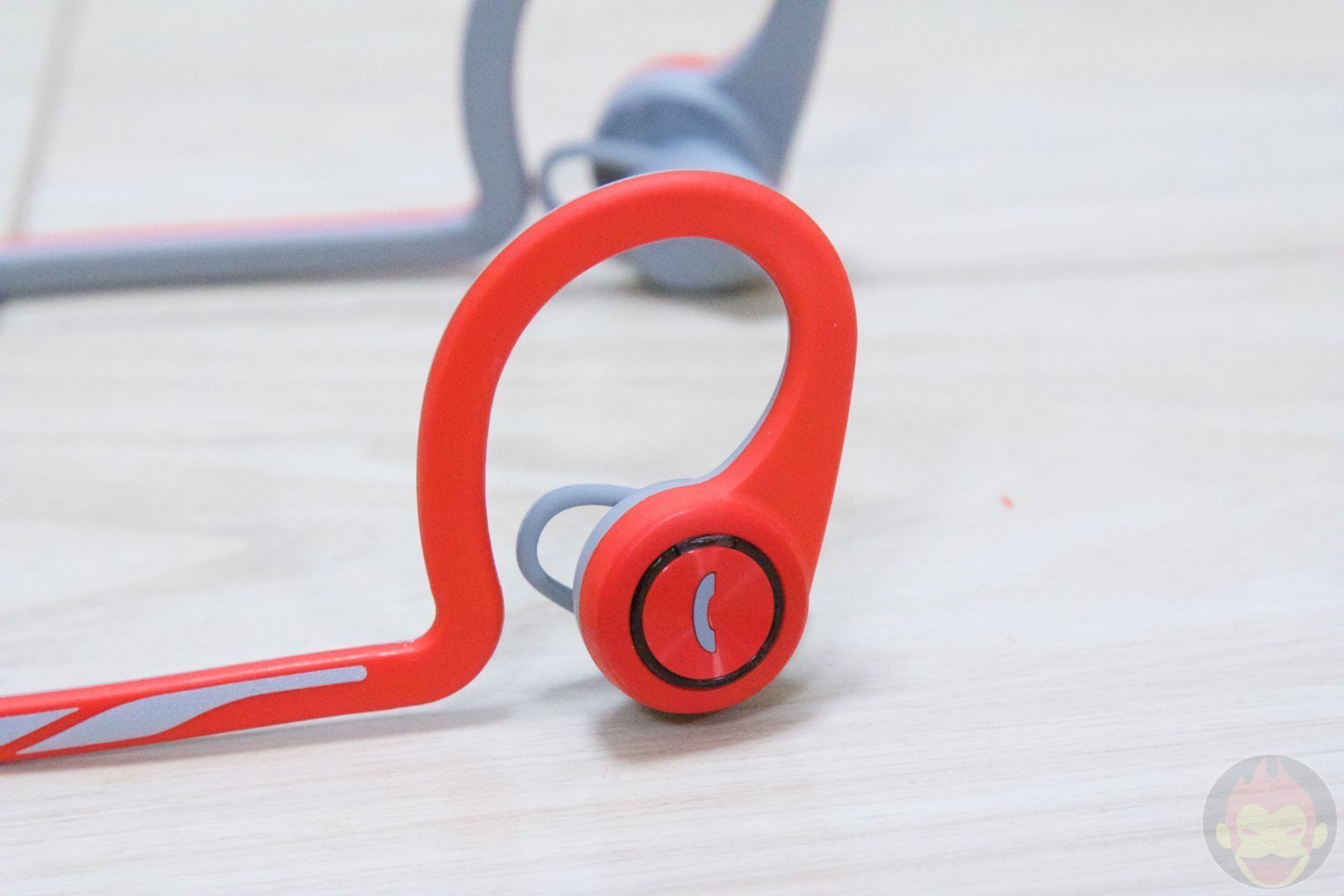 PLANTRONICS-BackBeat-FIT-13.jpg