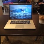 Using-MacBook-Pro-Retina-15-at-Cafe-01.jpg