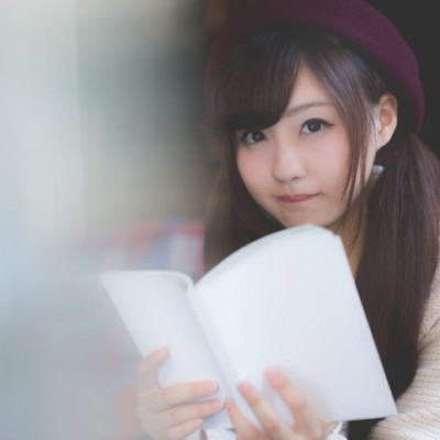 kawamura-pakutaso-reading-book.jpg