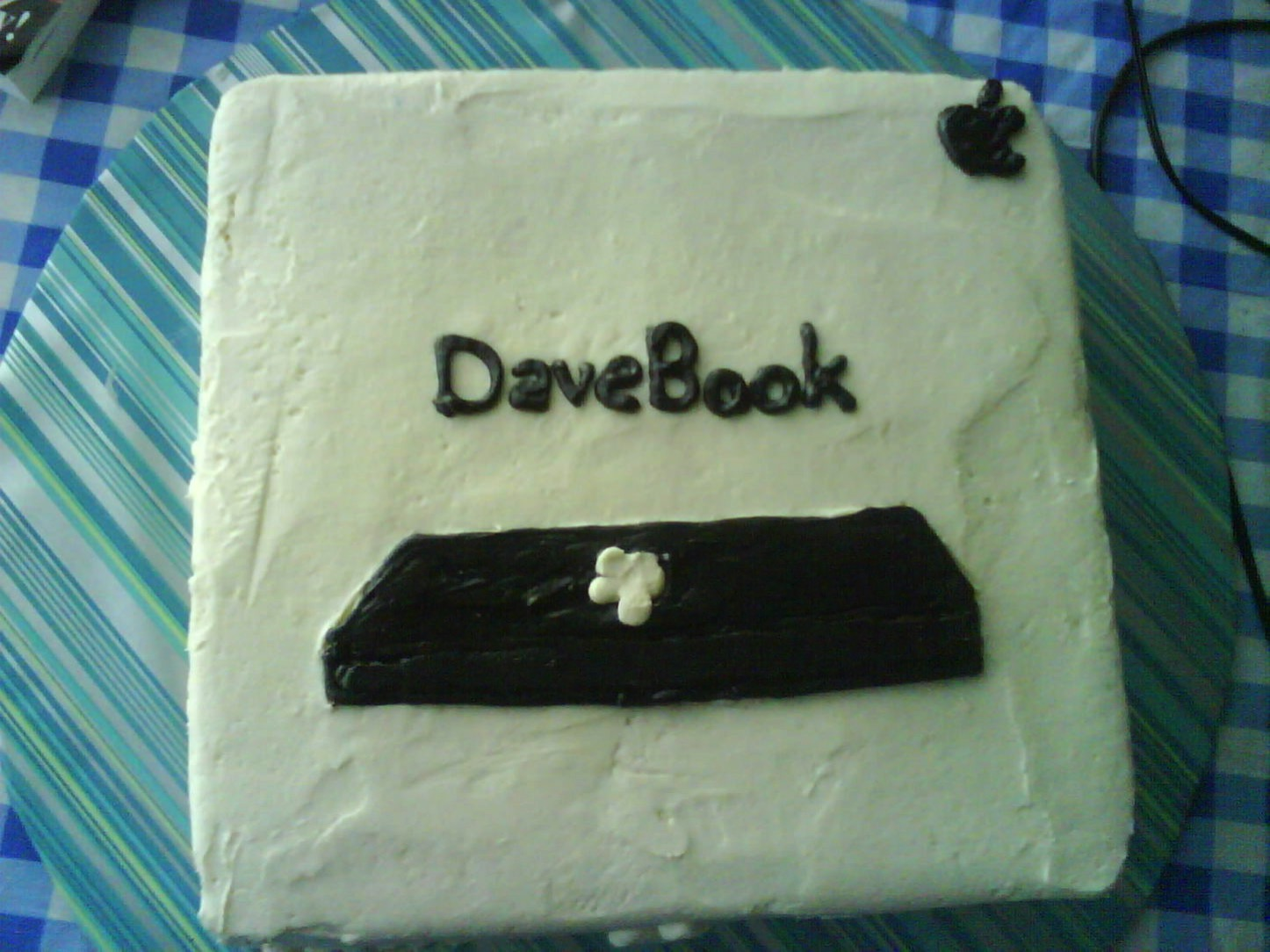 Macbook cake