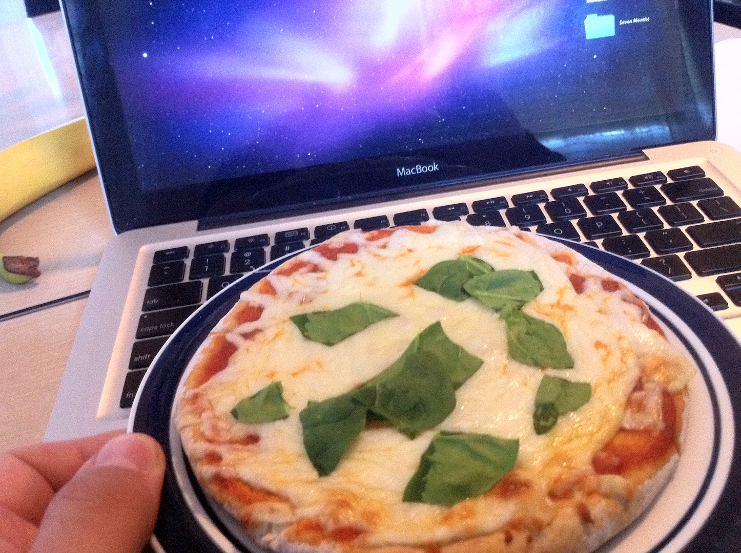 Pizza and macbook