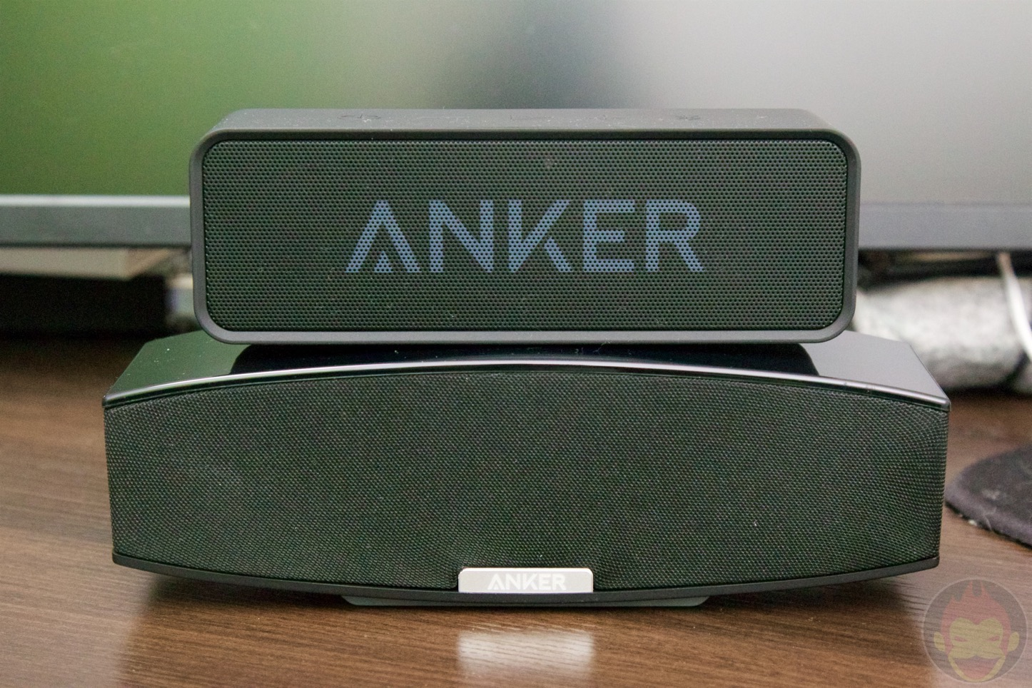 Anker-Premium-Stereo-Bluetooth-Speaker-12.jpg