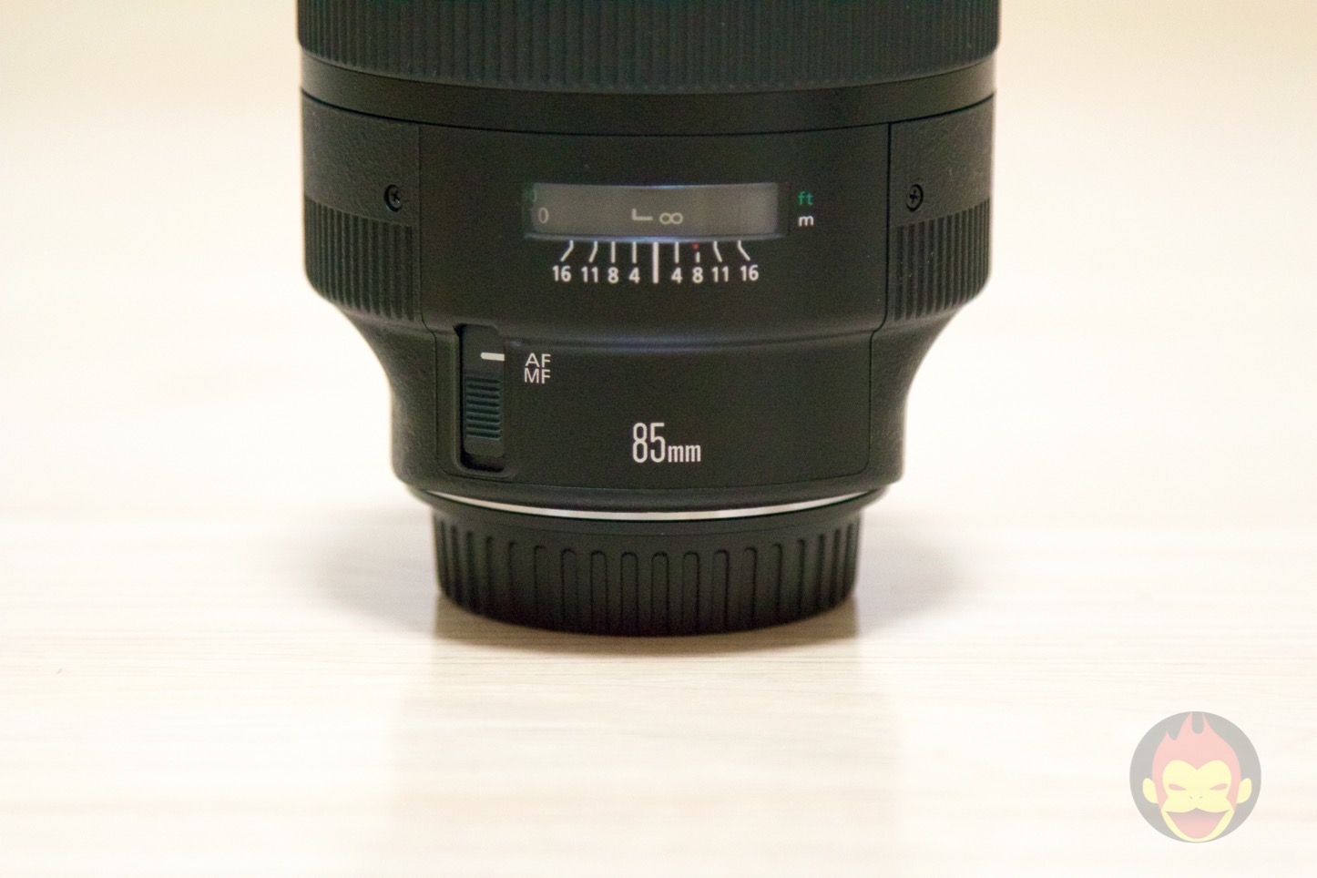 Canon-Lens-EF85mm-F1_2-II-USM-04.jpg