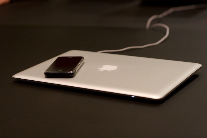old-macbook-pro-and-iphone.jpg