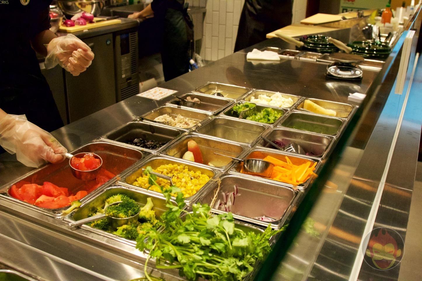 Crisp-Salad-Works-Roppongi-03.jpg