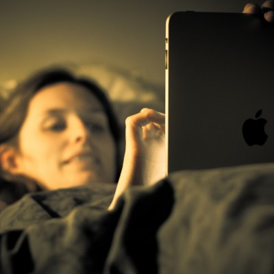 using-ipad-in-bed.jpg