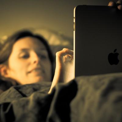 using-ipad-in-bed.jpg