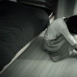 Takebe-Heartbroken-Girl-Pakutaso-12.jpg
