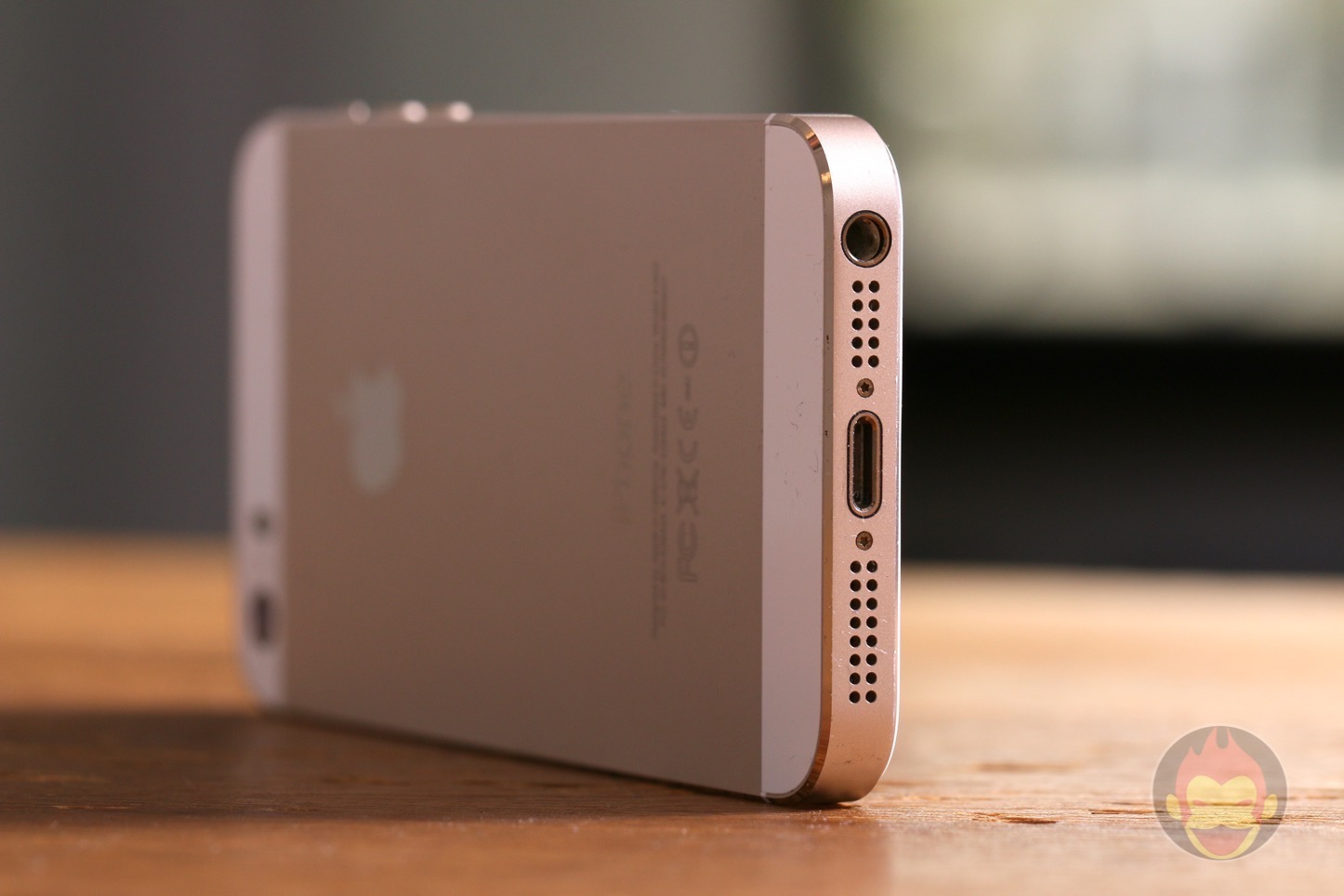 iPhone-5s-Photo-Table-01.JPG