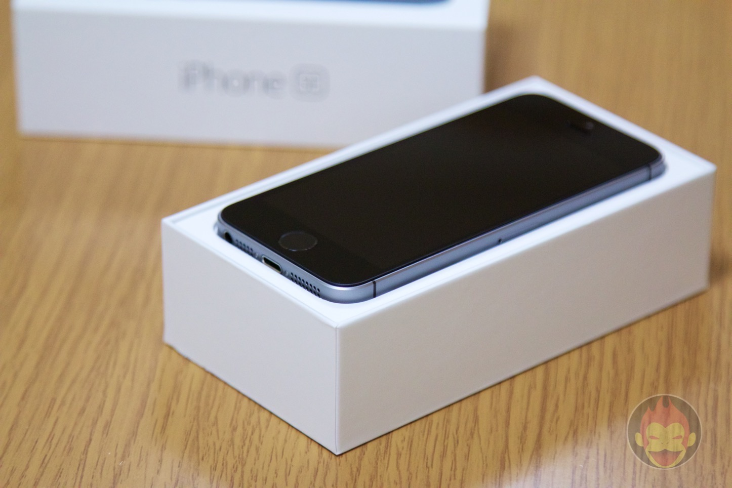 iPhone-SE-Space-Gray-64GB-Photo-Review-02.jpg