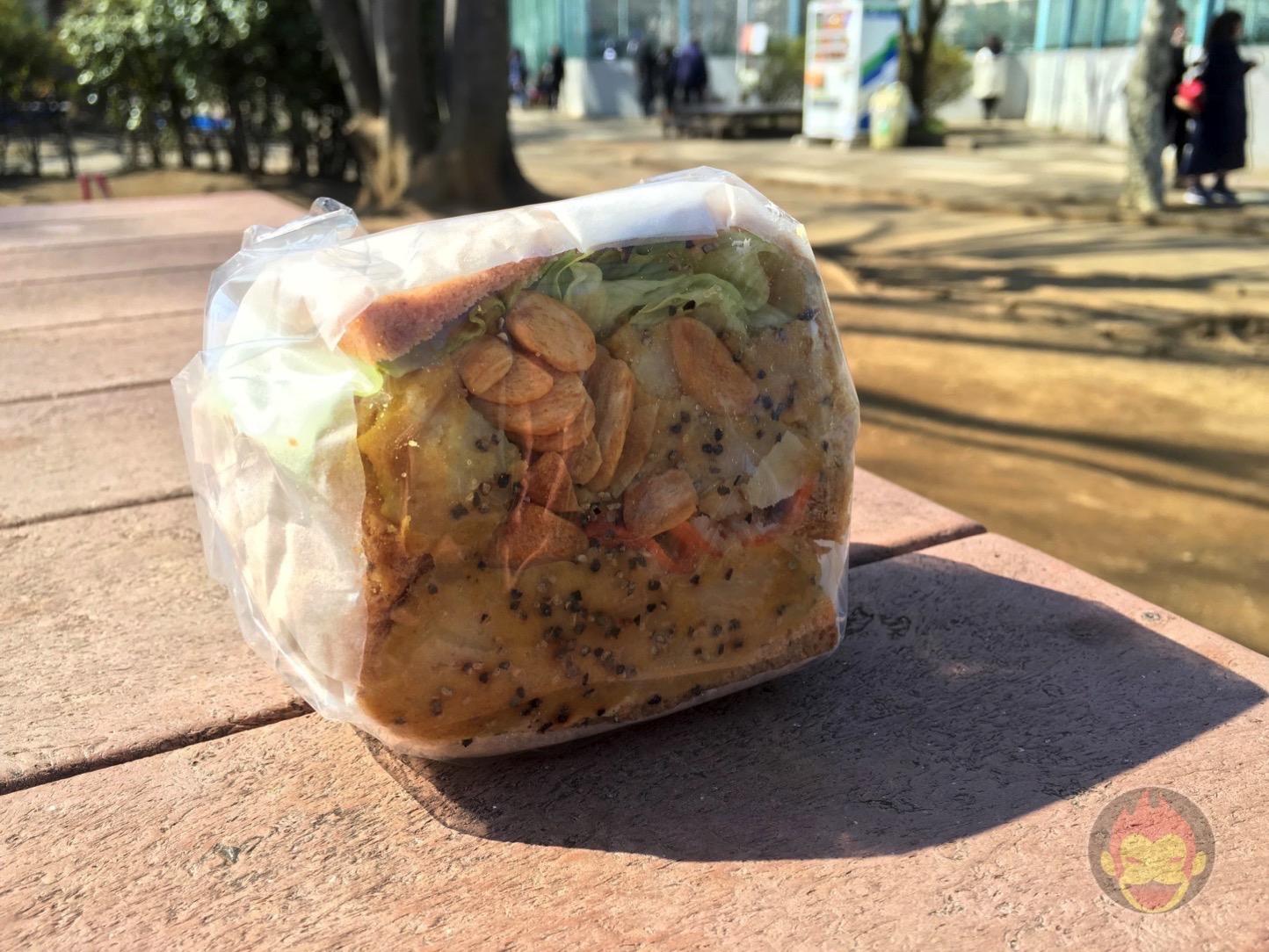 今話題の野菜たっぷりサンドイッチ「POTASTA」