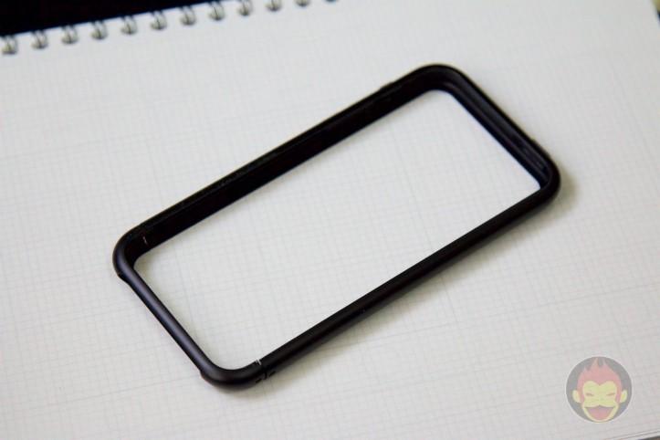 SQUAIR-iPhone-SE-Bumper-Curvacious-Bumper-02.jpg