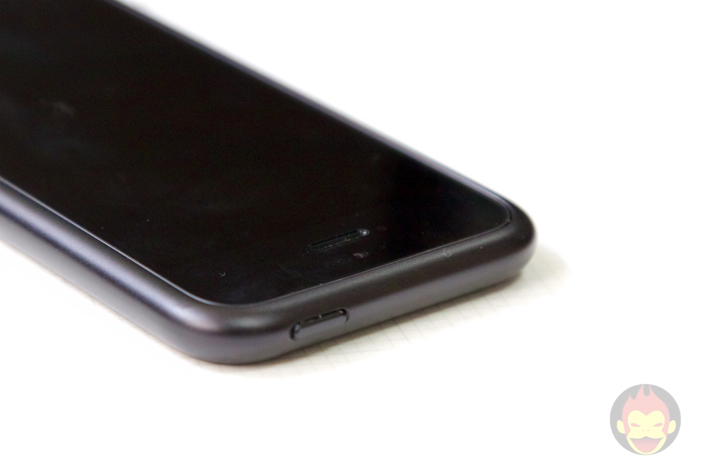 SQUAIR iPhone SE Curvacious Bumper