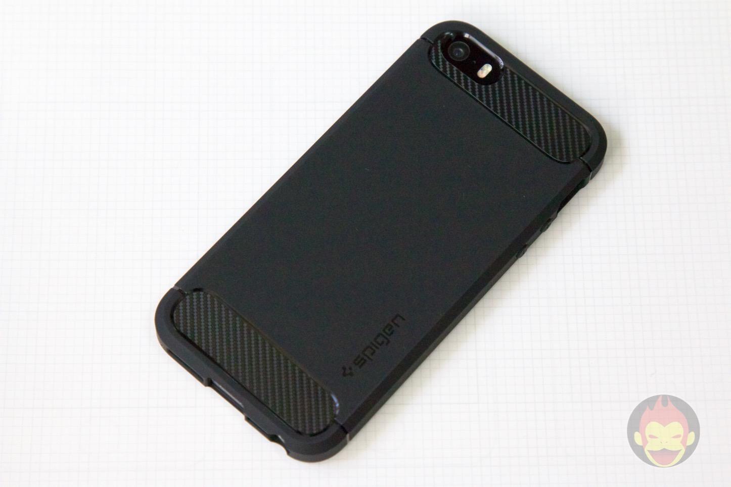 Spigen-Rugged-Case-iPhone-07.jpg