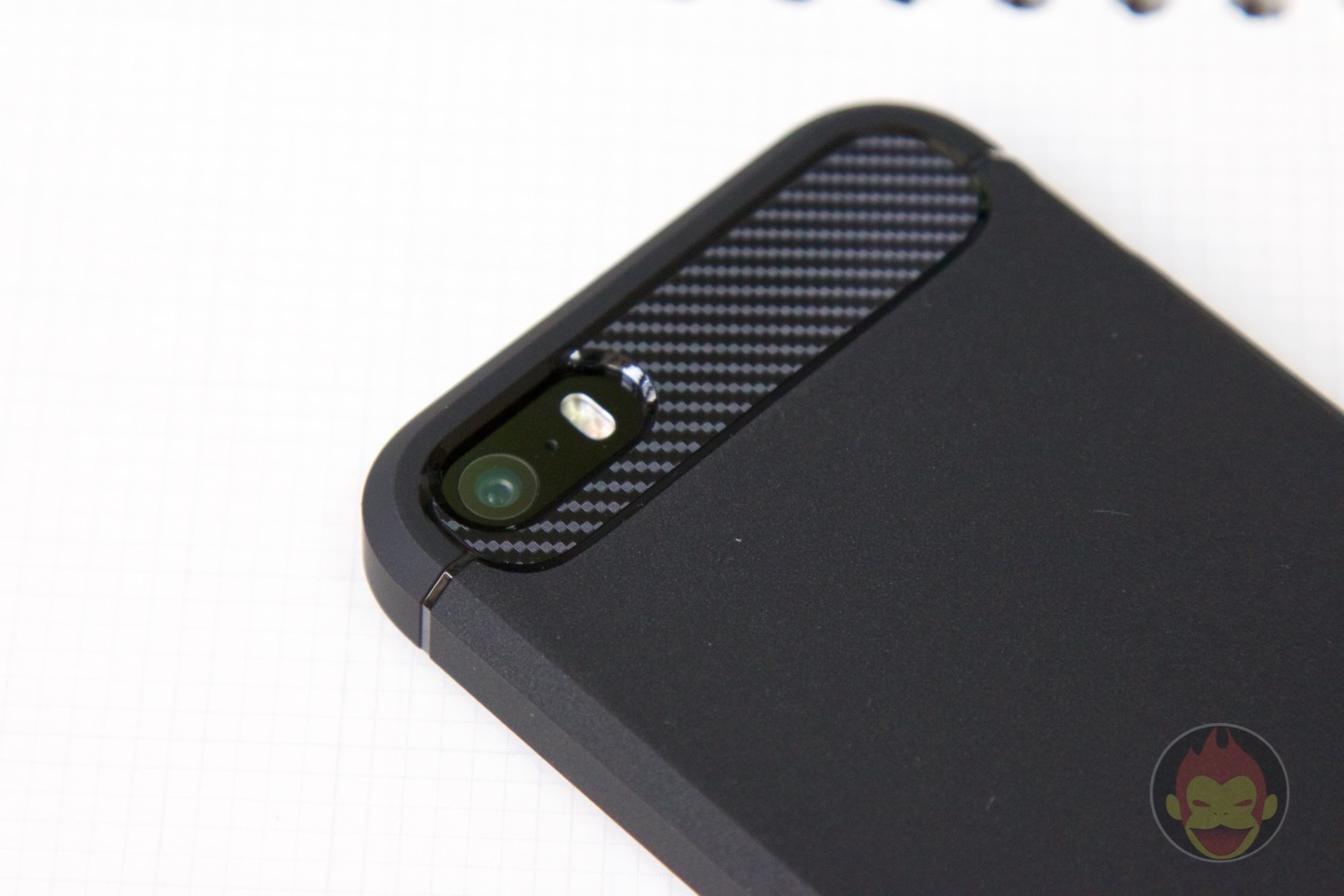 Spigen-Rugged-Case-iPhone-08.jpg