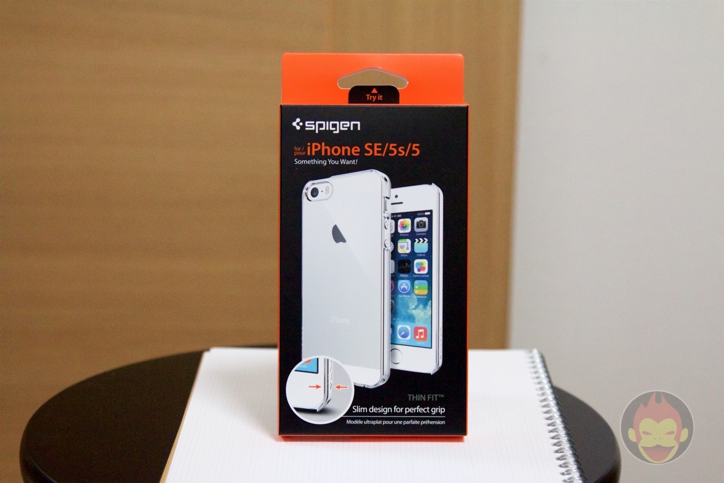 Spigen-Thin-Fit-iPhone-SE-Case-01.jpg