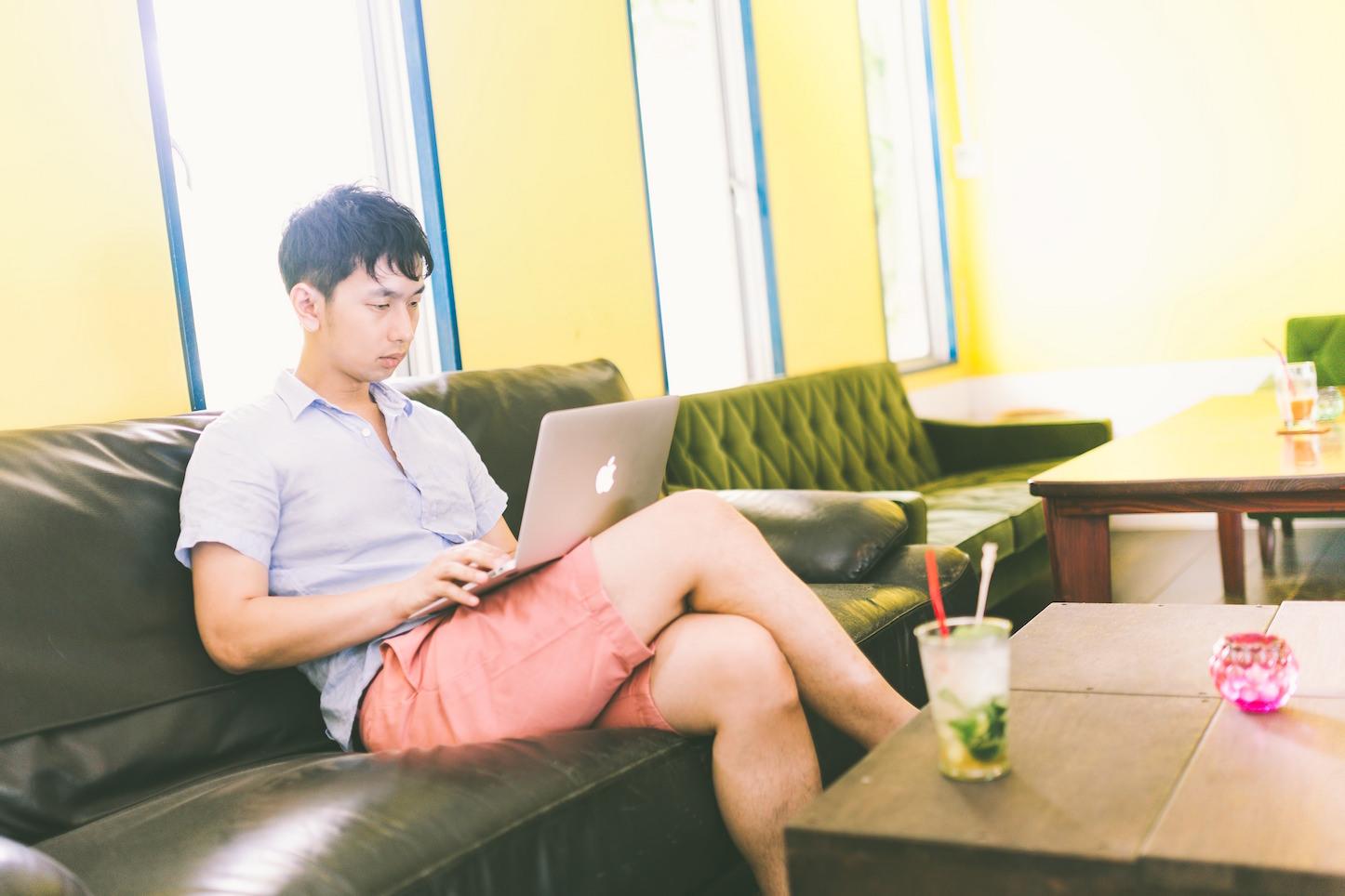Working Okawa At Cafe Pakutaso